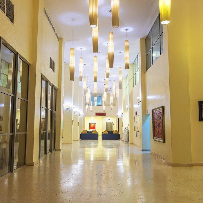 American University Hotel (AUN)